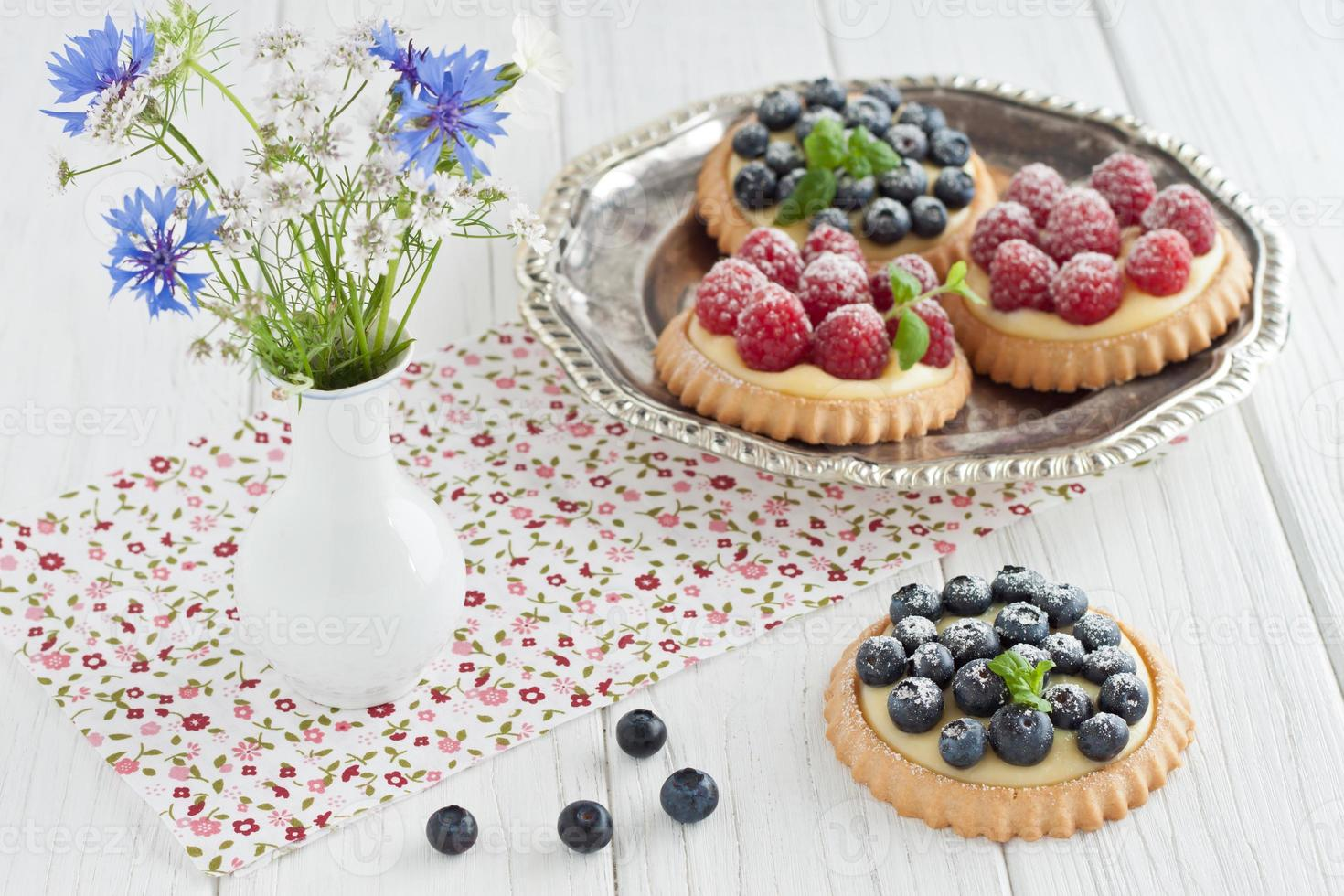 Blueberry and raspberry tartlets photo