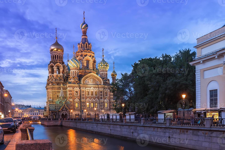 Iglesia del Salvador sobre la sangre derramada, San Petersburgo foto