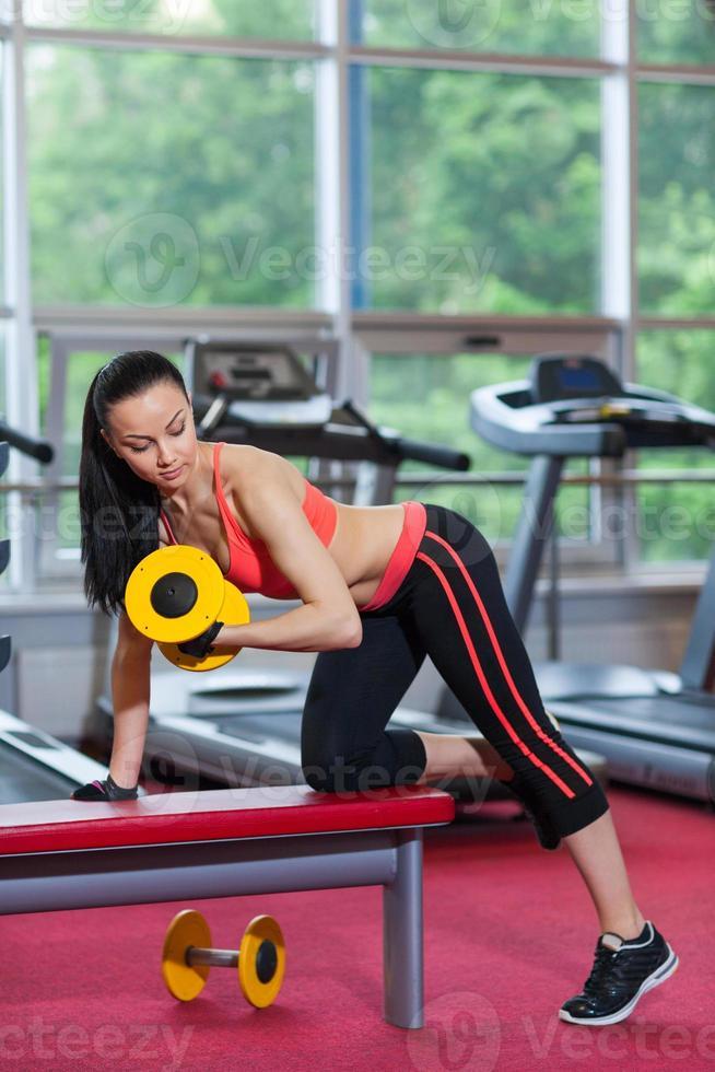 mujer deporte ejercicio gimnasio, gimnasio foto