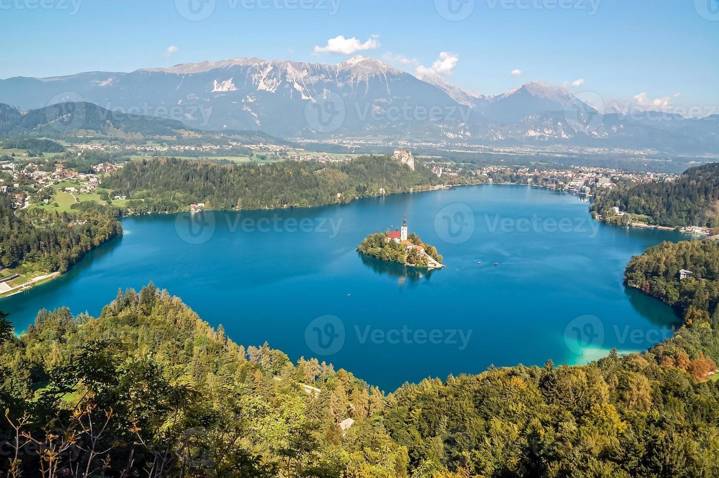 paisaje del lago sangrado foto