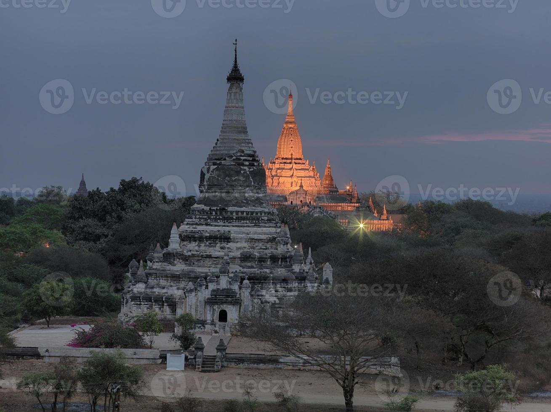temple ananda à 5h du matin photo