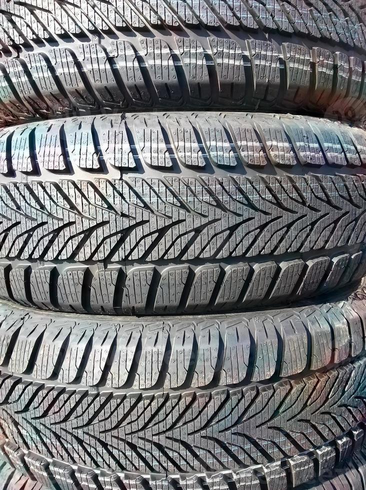 novos pneus de inverno foto