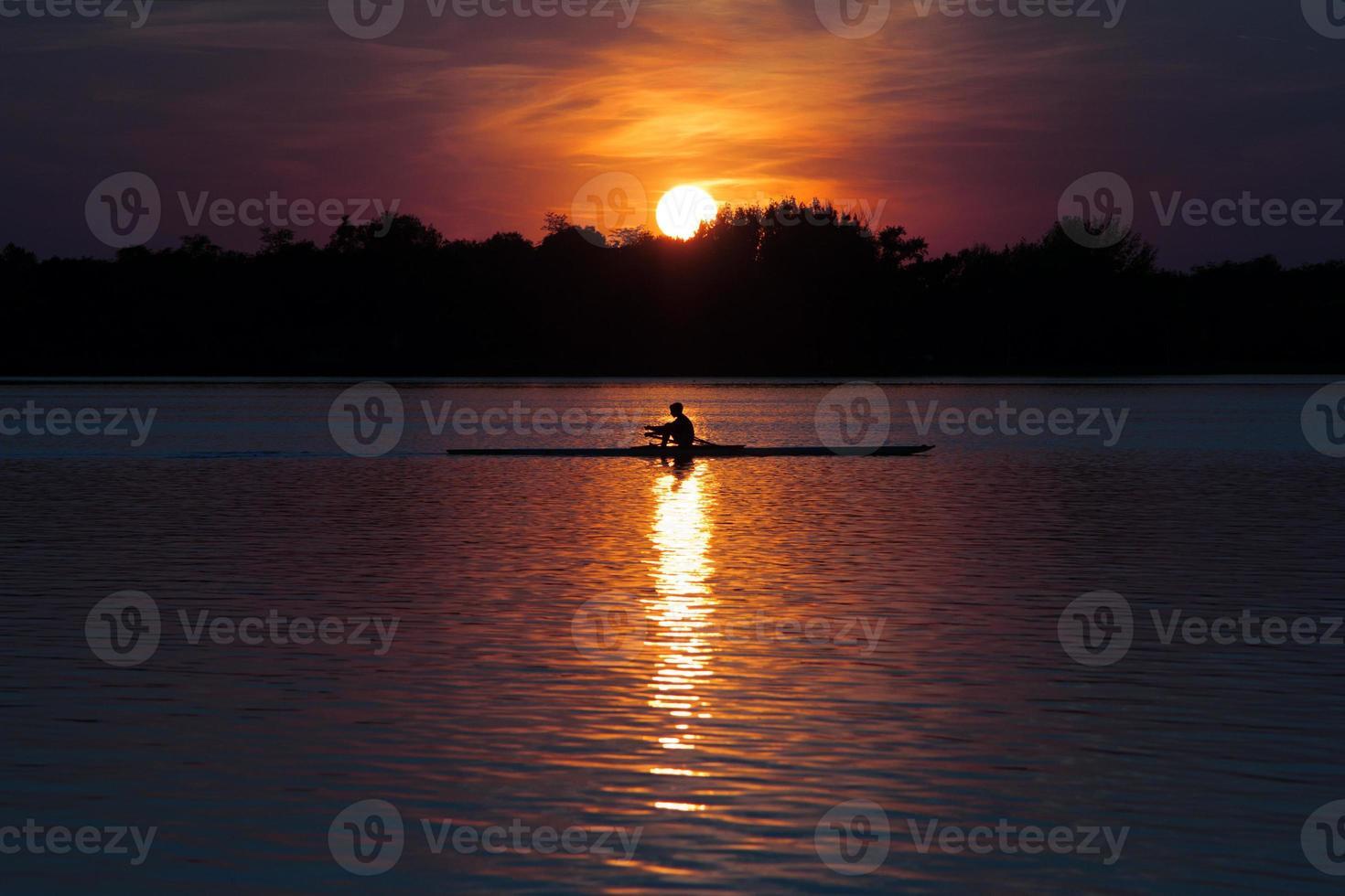 piragüismo en el lago foto