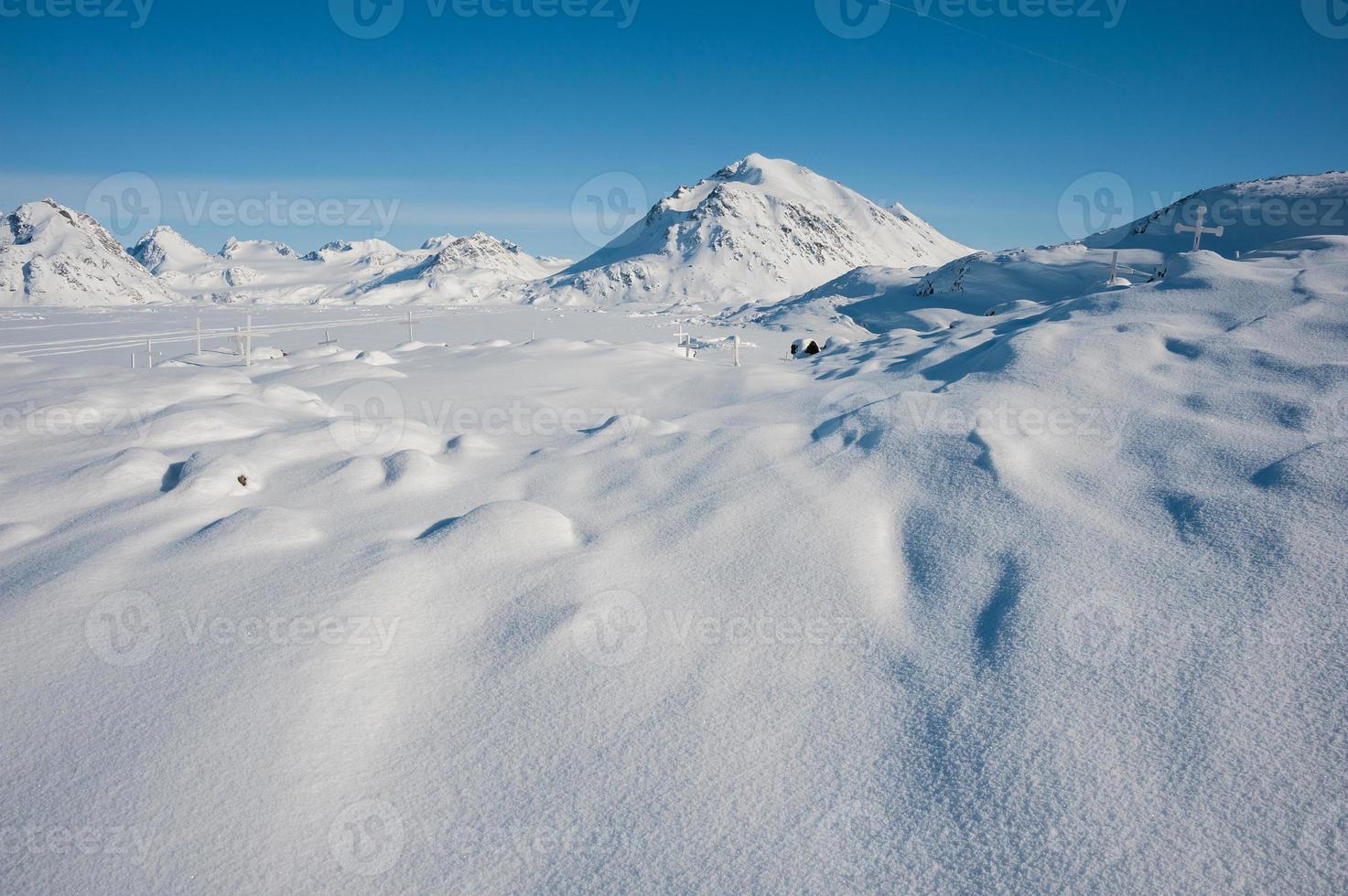 paisaje nevado de invierno en Groenlandia foto