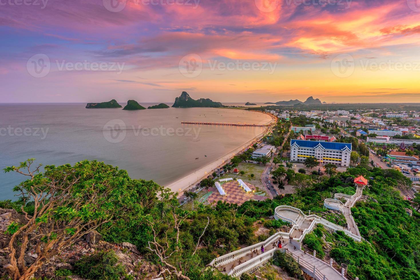 ponto de vista da paisagem em khao chong krachok foto