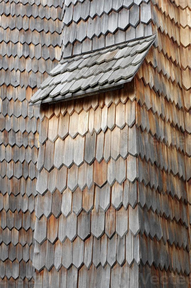 telha em madeira foto