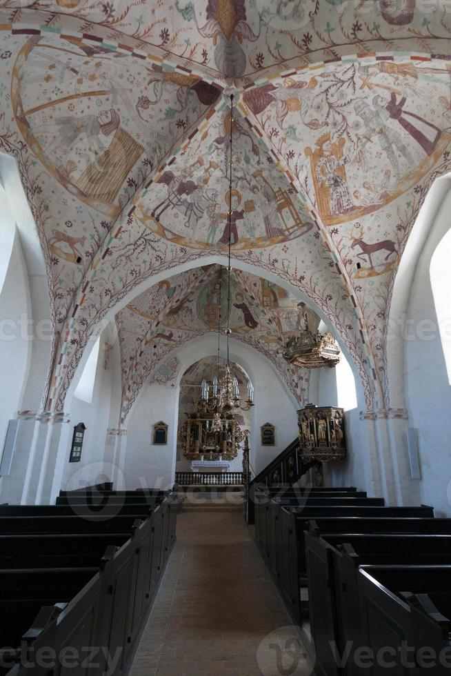 afrescos antigos na igreja elmelunde (moen, dinamarca) foto