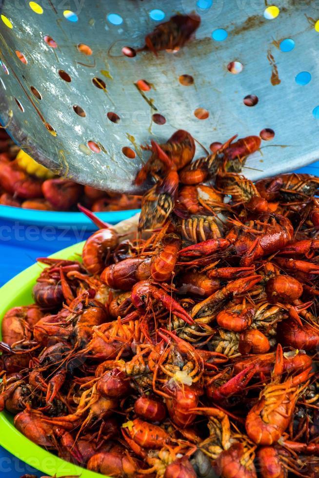 festival ao ar livre cajun a lagosta tigela frutos do mar picante foto