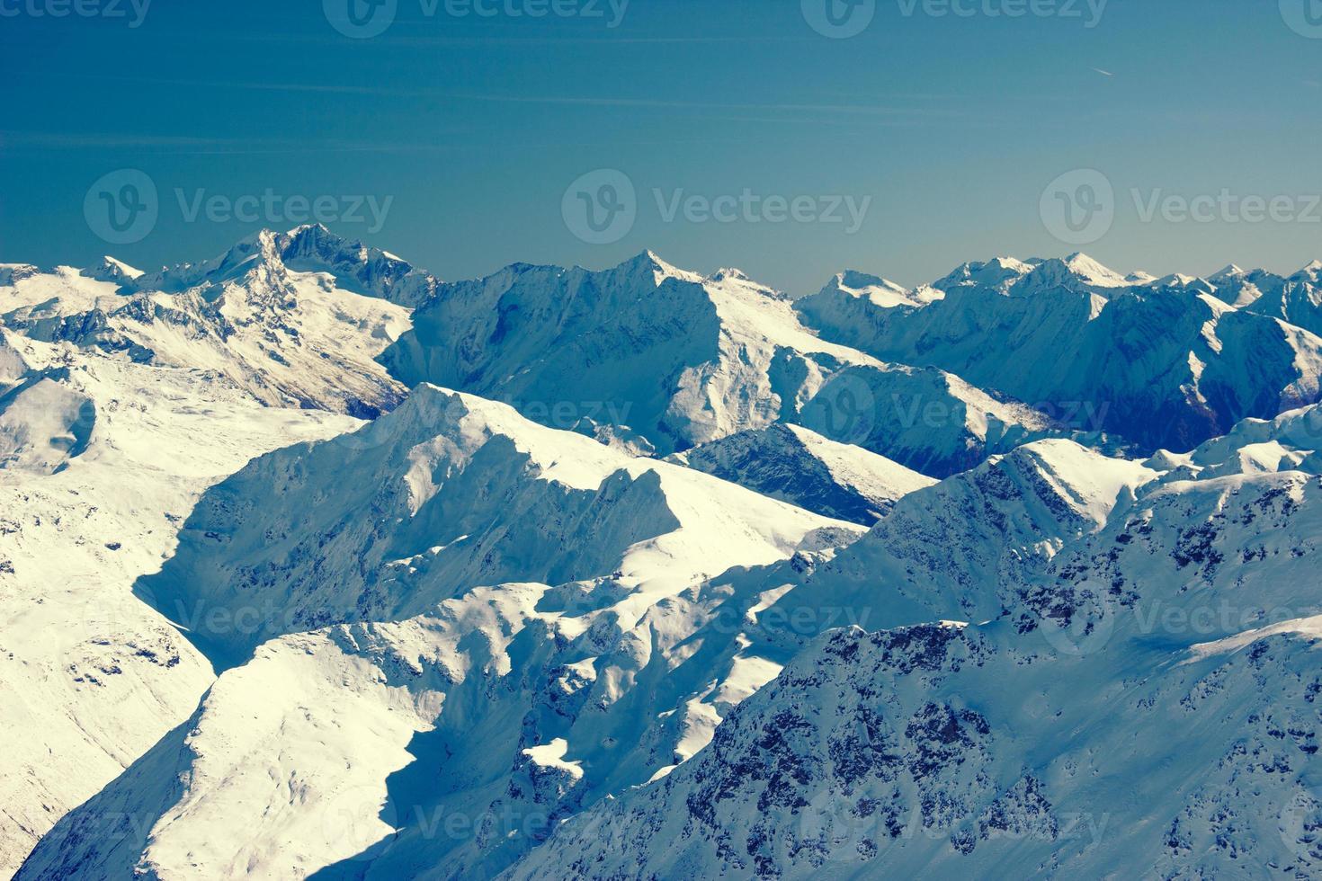 montañas en invierno foto