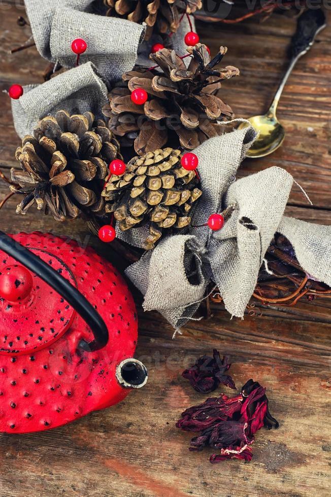 Bodegón de invierno con té foto