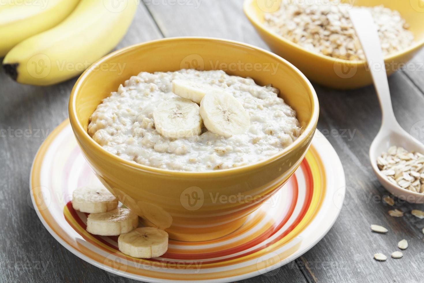 Oatmeal with bananas photo