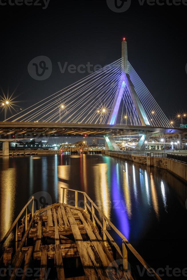 puente y naufragio de zakim foto