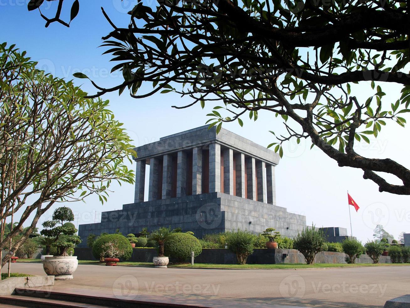 Mausoleo de Ho Chi Minh, atracción turística en Hanoi, Vietnam. foto
