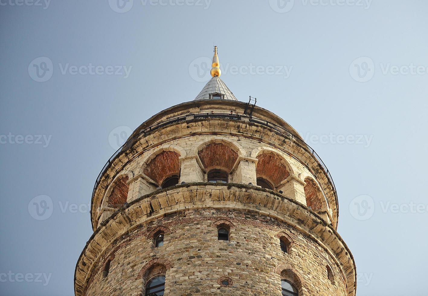 torre de galata en estambul foto