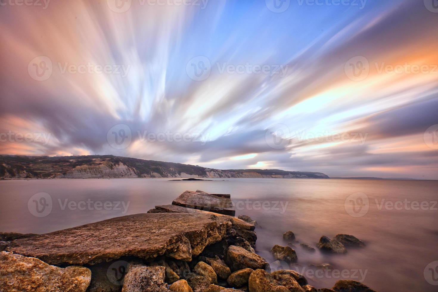puesta de sol en el océano .. foto