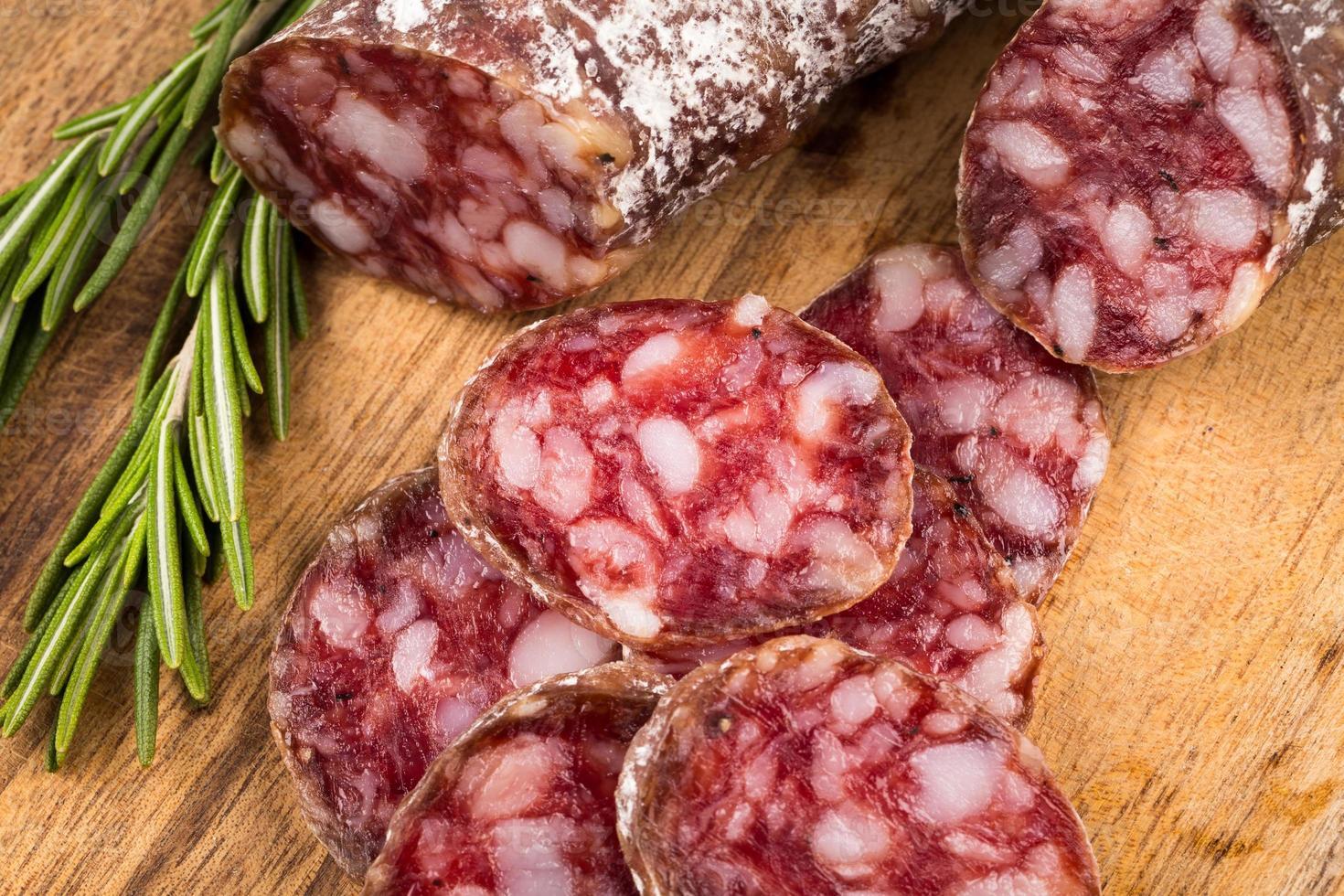 rebanadas de salami foto
