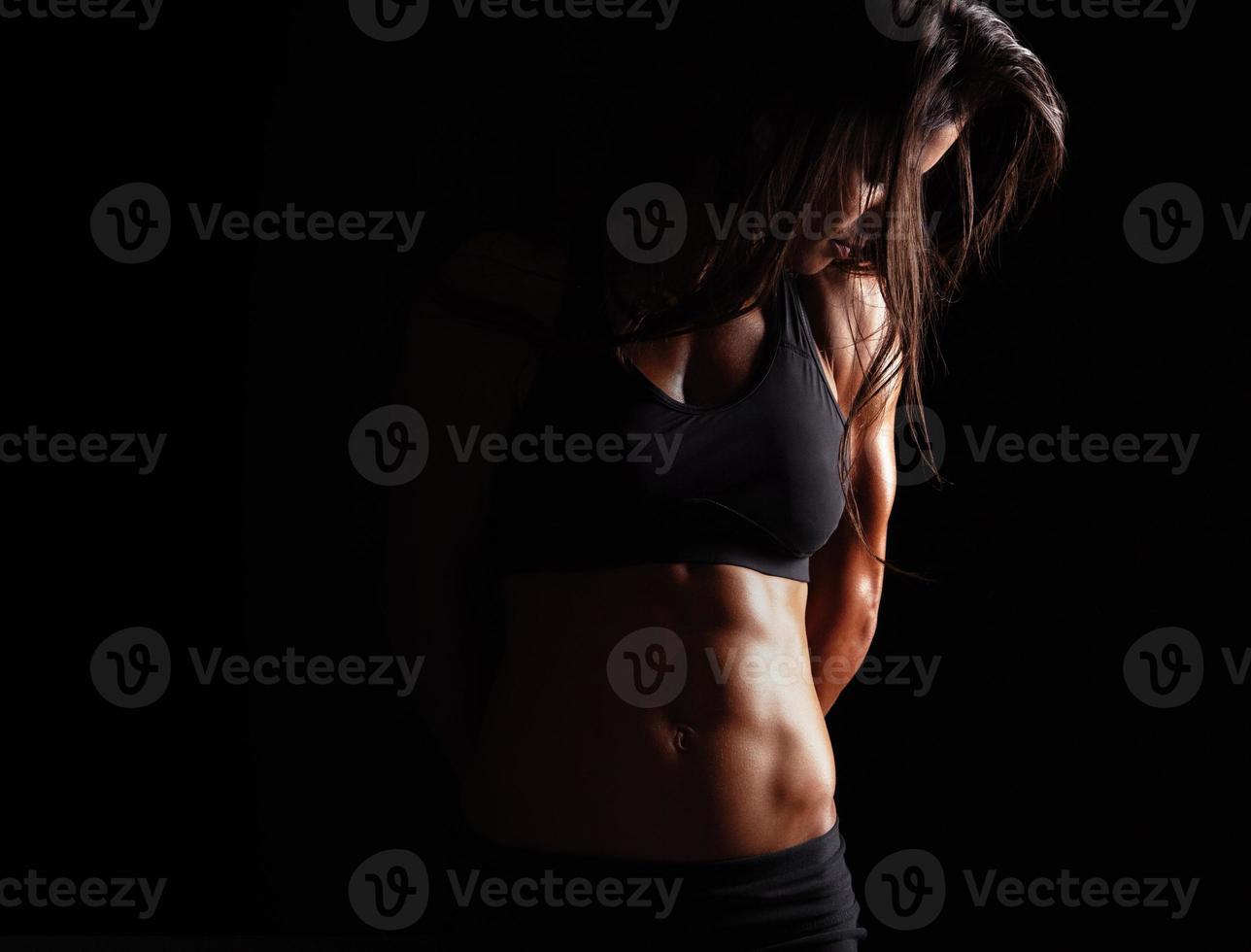 modèle féminin avec corps musclé photo