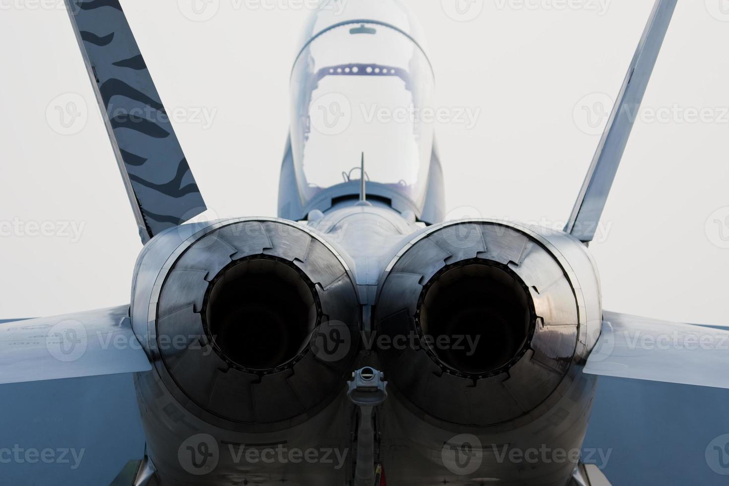 Jet's engines photo