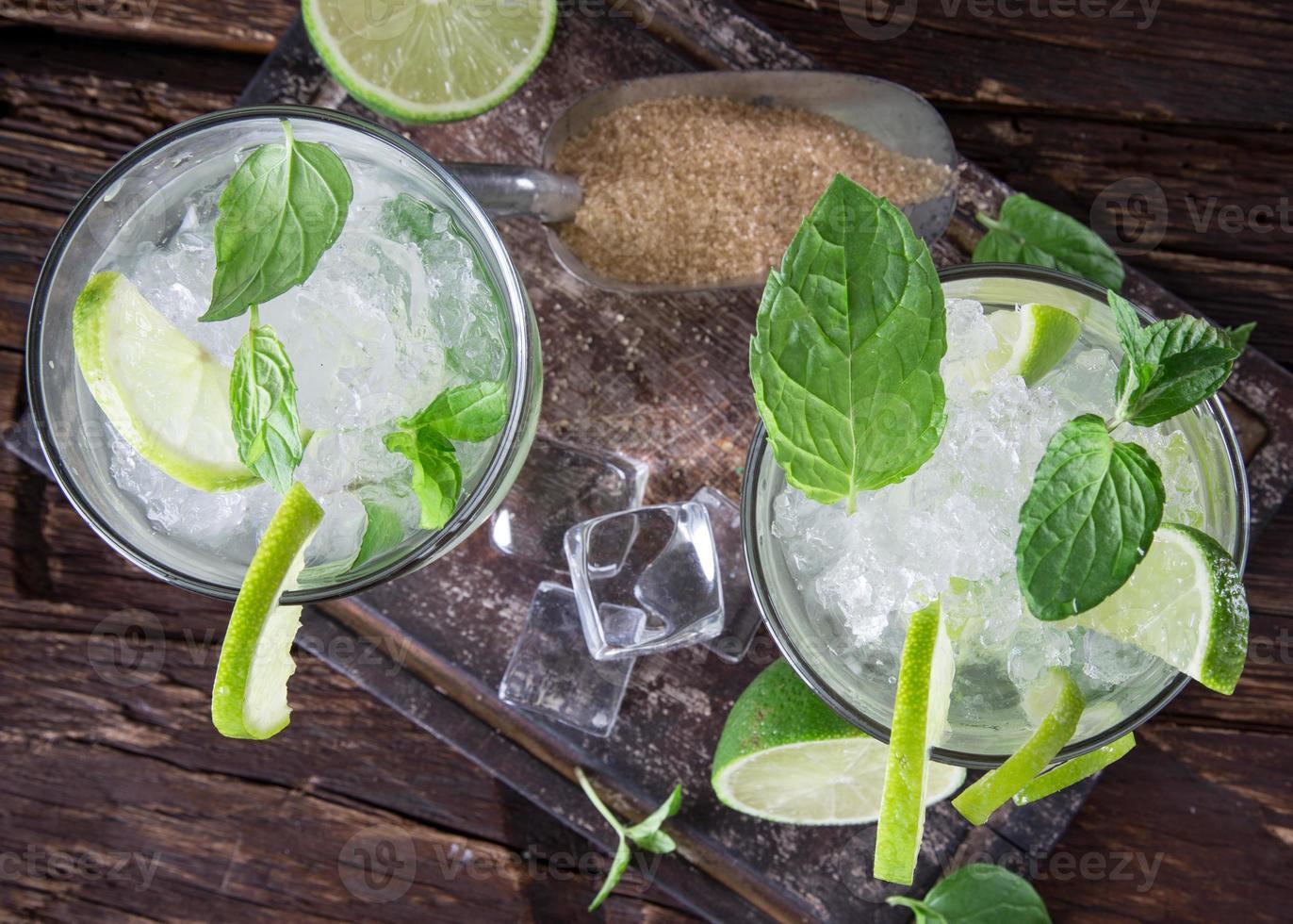 fresh mojito drink photo