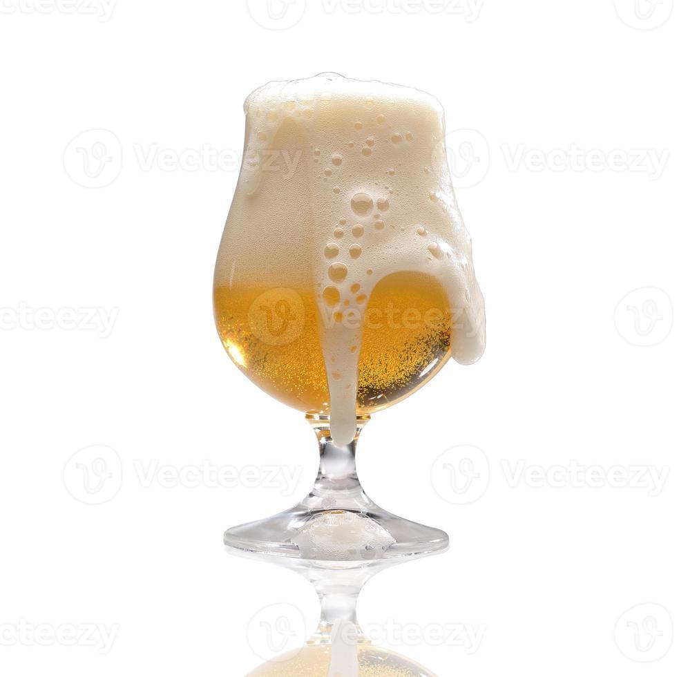 bicchiere di birra artigianale foto