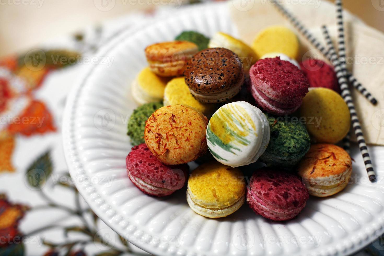 Colorido macaron francés pila. foto