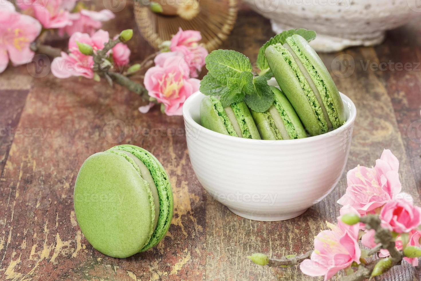 Green tea macarons photo