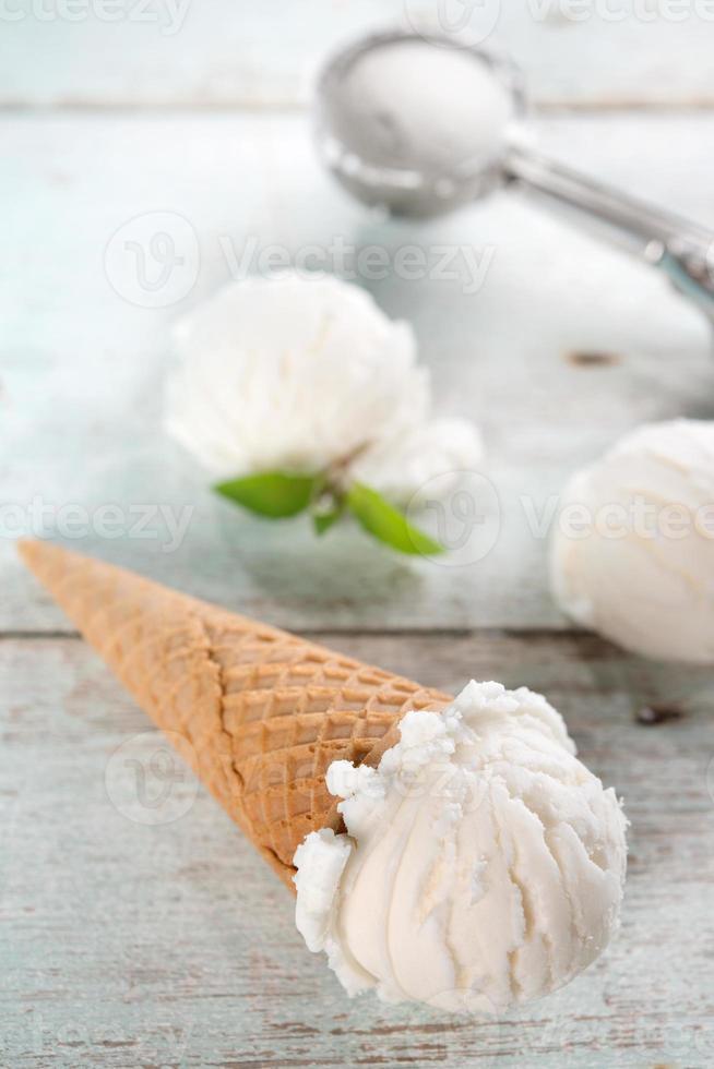 primer cono de helado de coco foto