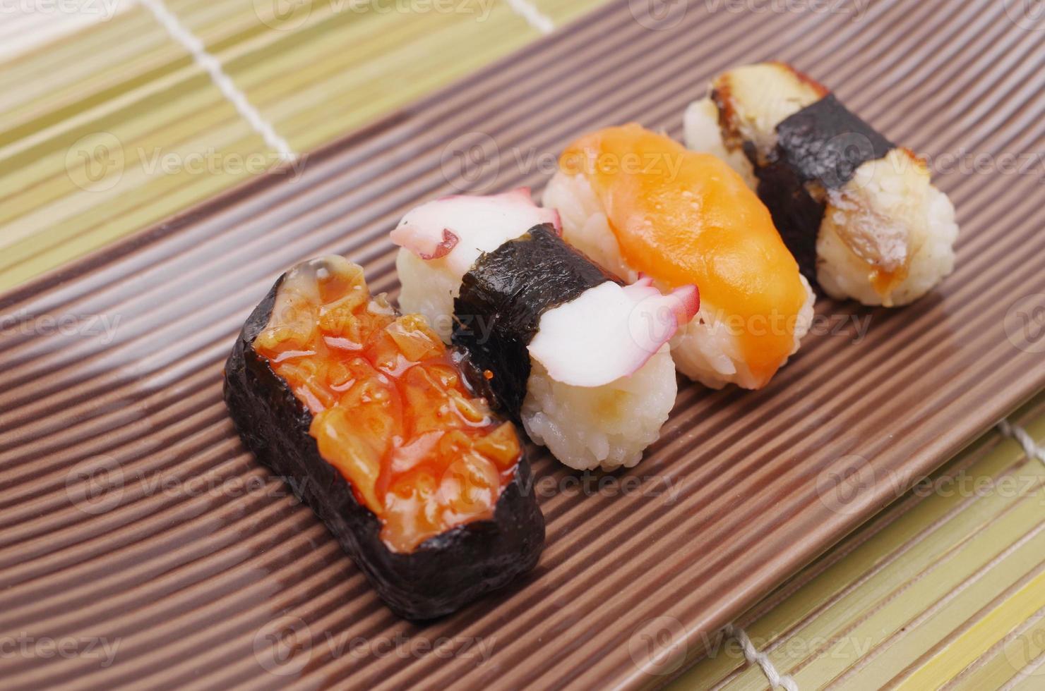 sushi nigiri, cocina japonesa foto