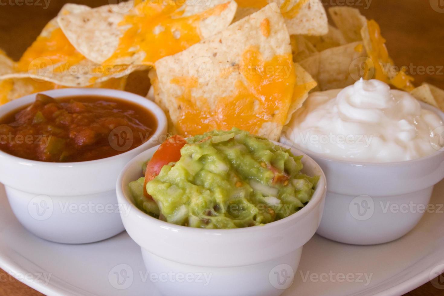 guacamole y nachos foto