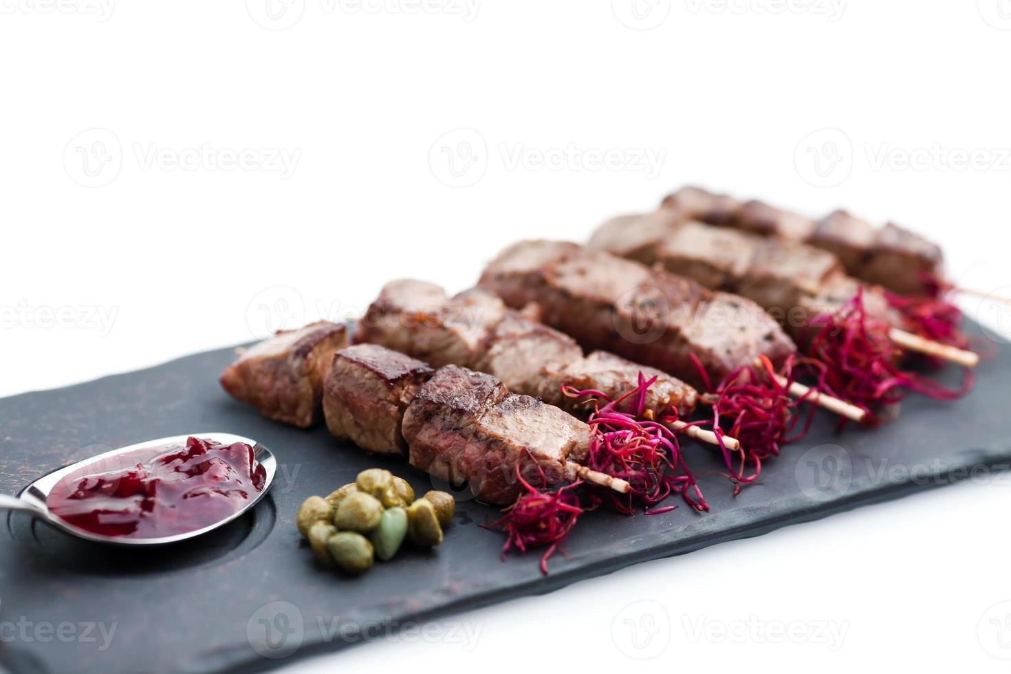 carne de res yakitori foto