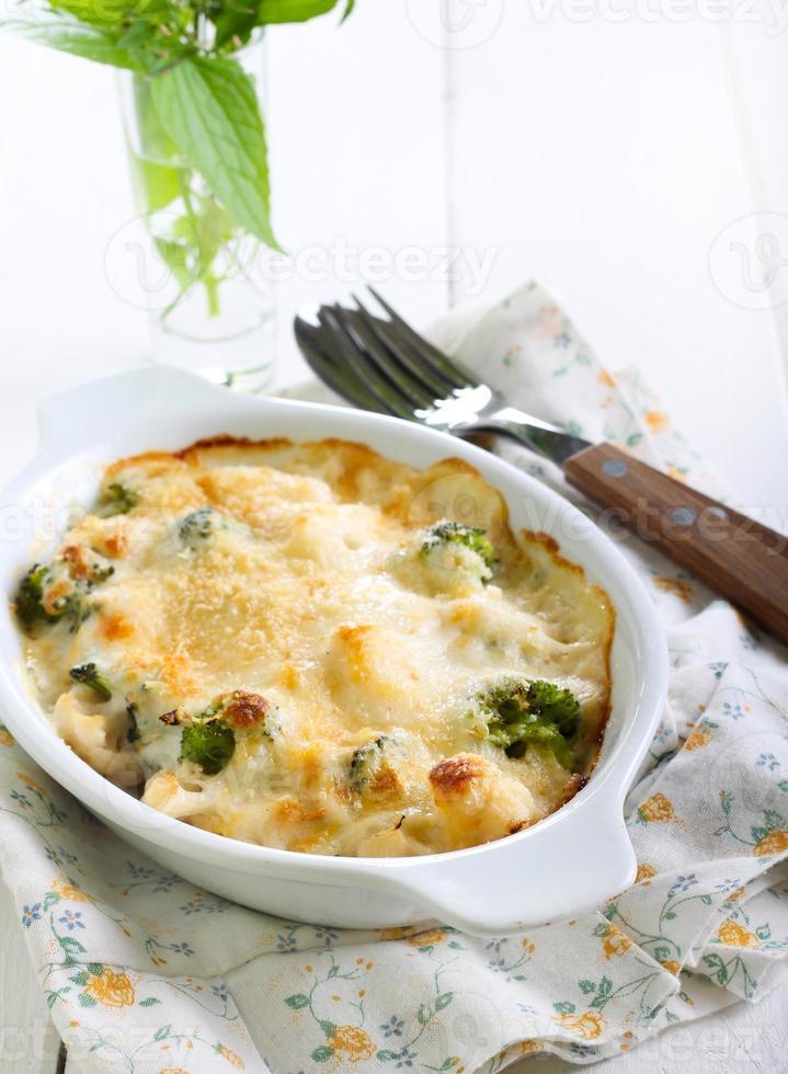 gratinado de coliflor y brócoli foto