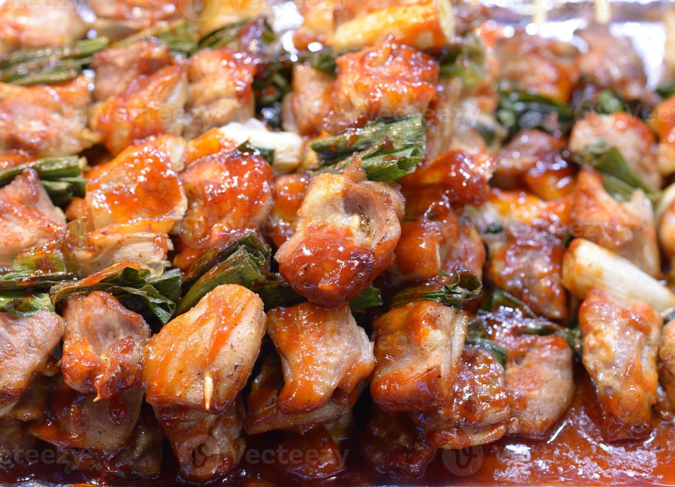 brochetas de pollo coreano foto