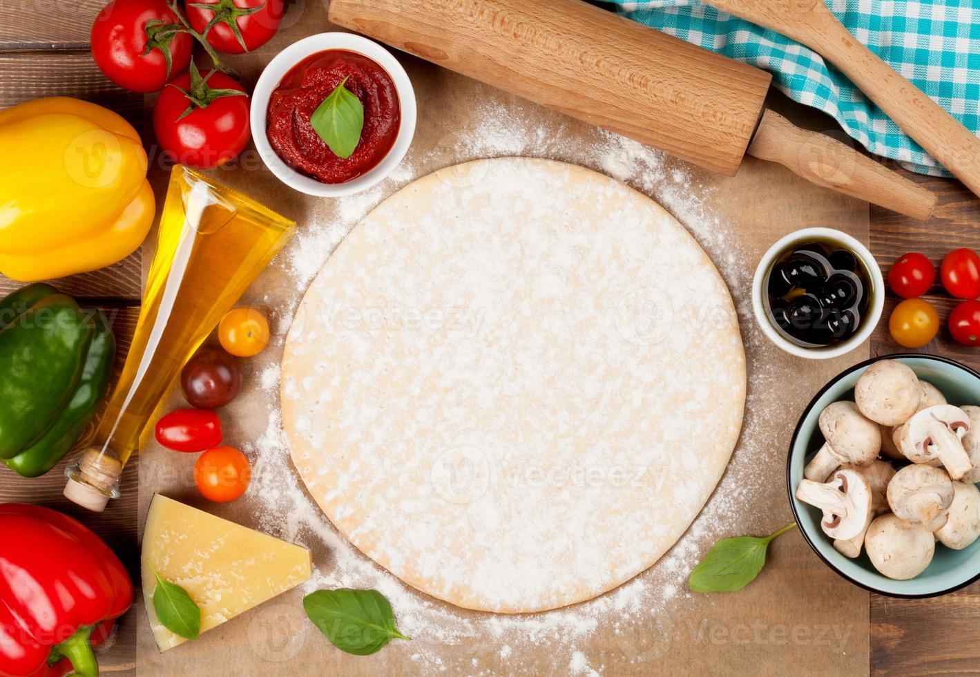 ingredientes para cocinar pizza foto