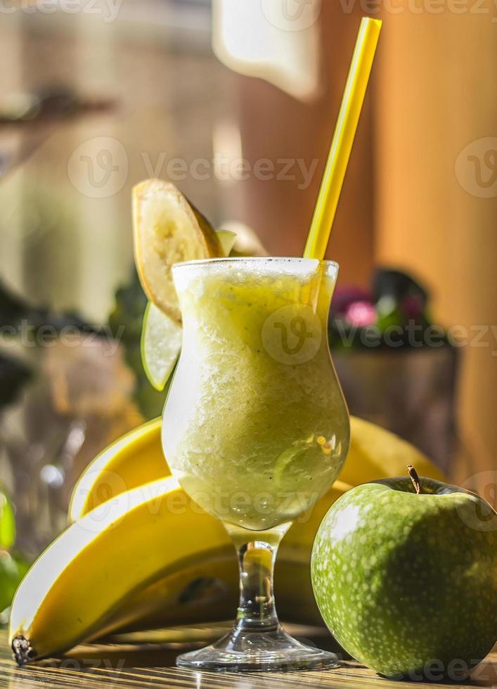 batidos, manzana y plátano foto