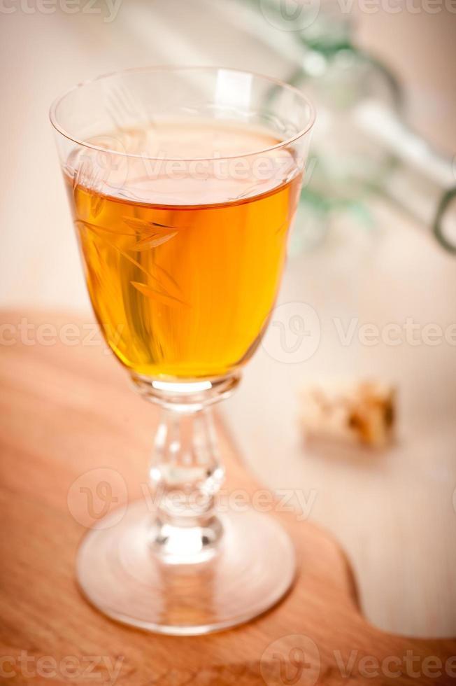 licor en vaso foto