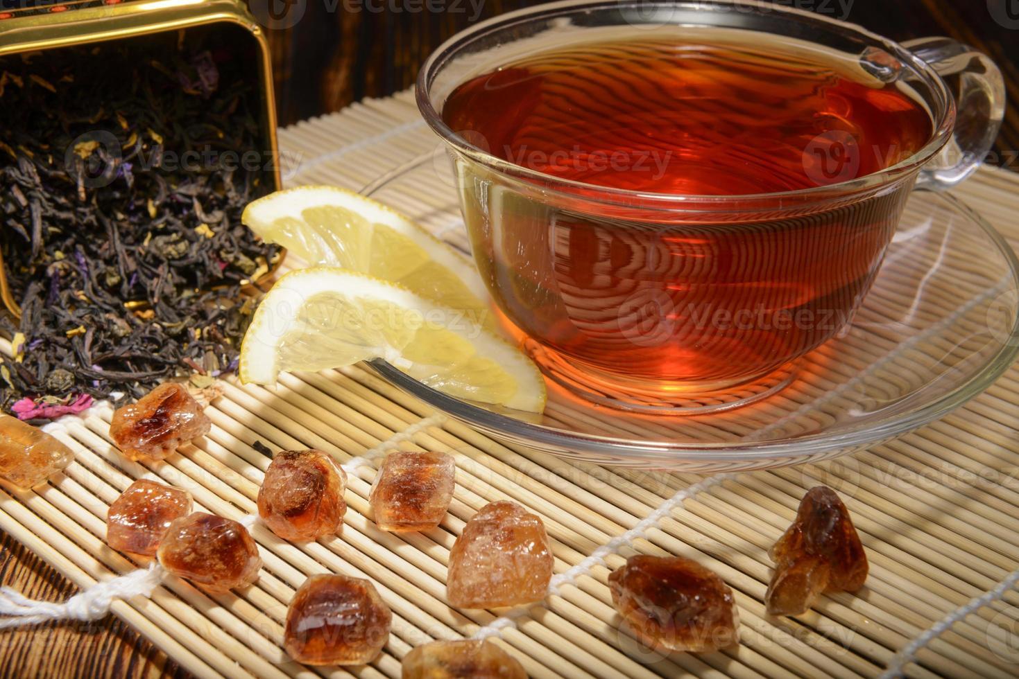 composición de té sobre un fondo de madera foto