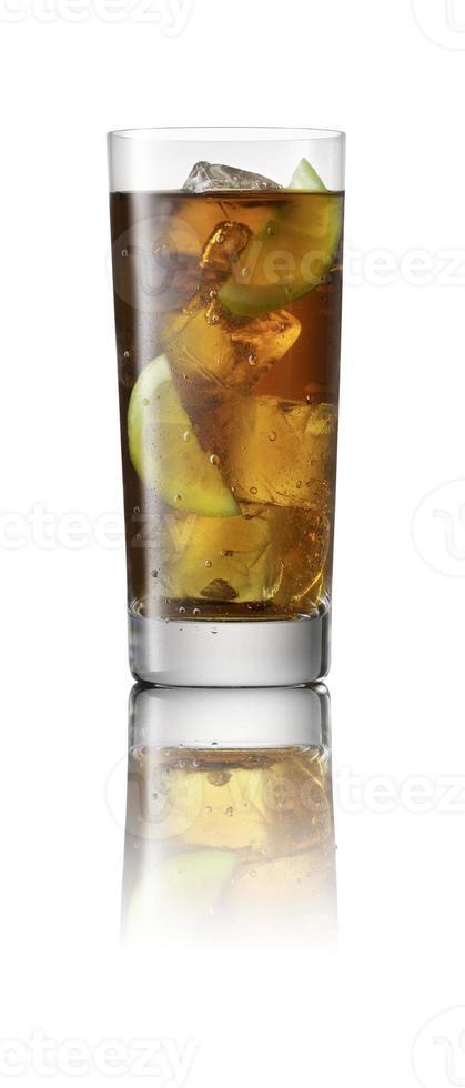 cola con hielo y limón foto