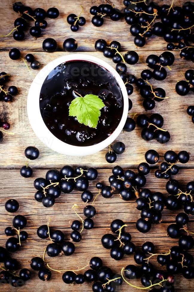 mermelada de grosellas negras foto