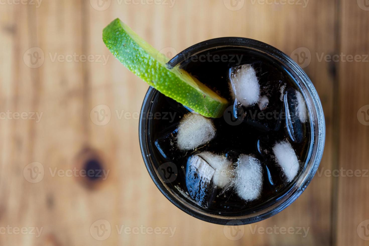 soda whit ice and lime photo