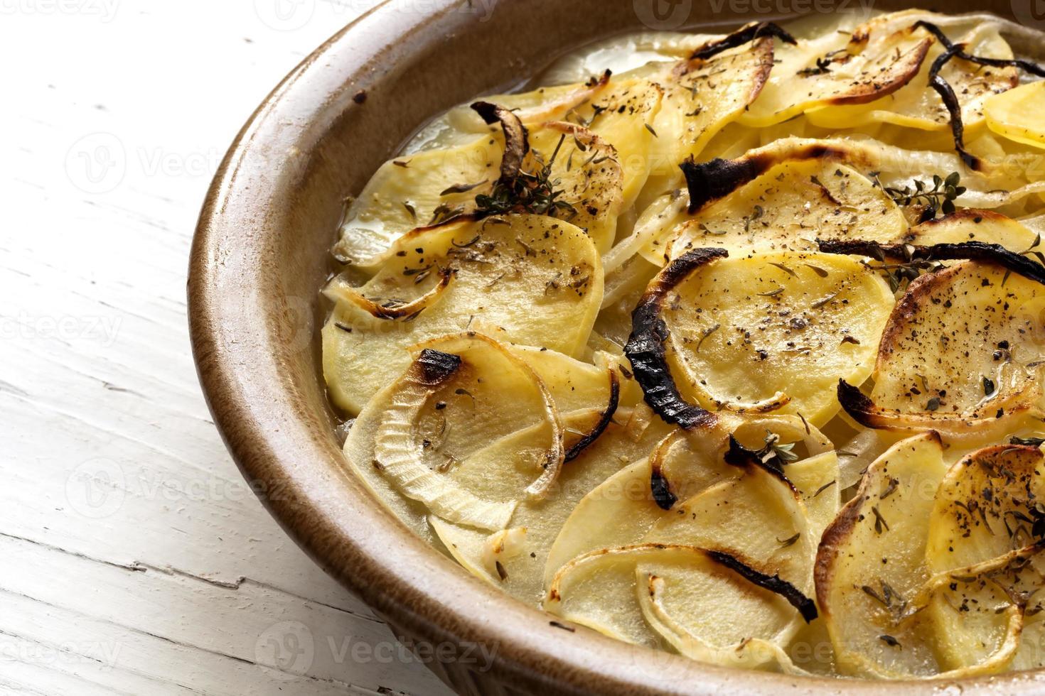 boulanger de patatas gratinadas foto