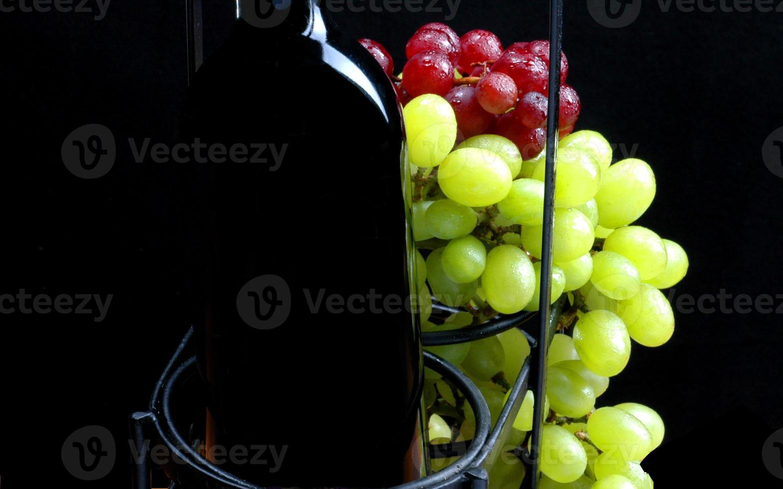 vino y uvas foto