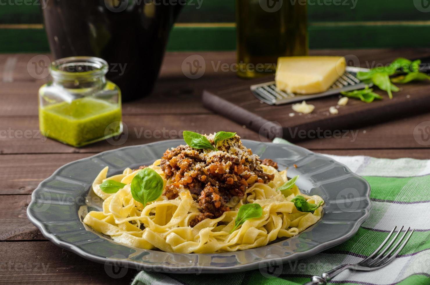 fettuccine con salsa boloñesa foto