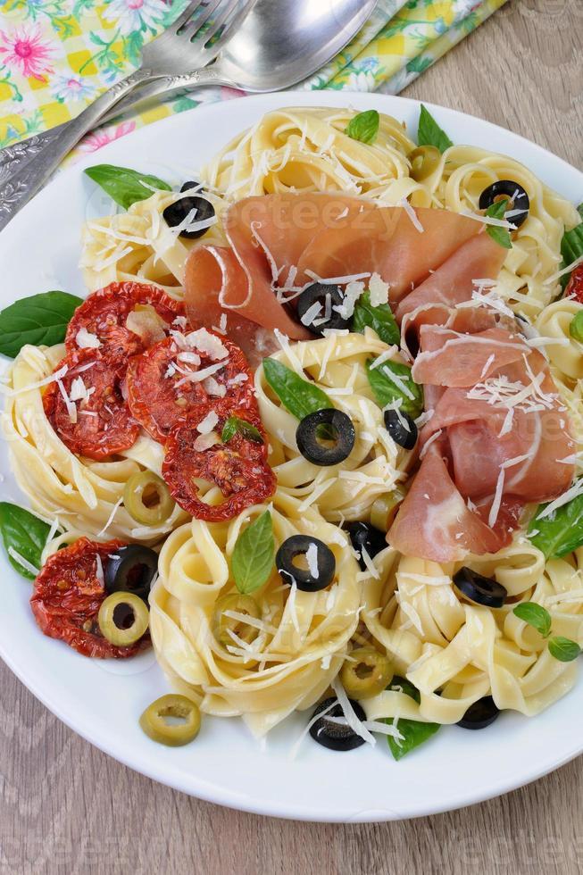 Pasta with gammon photo