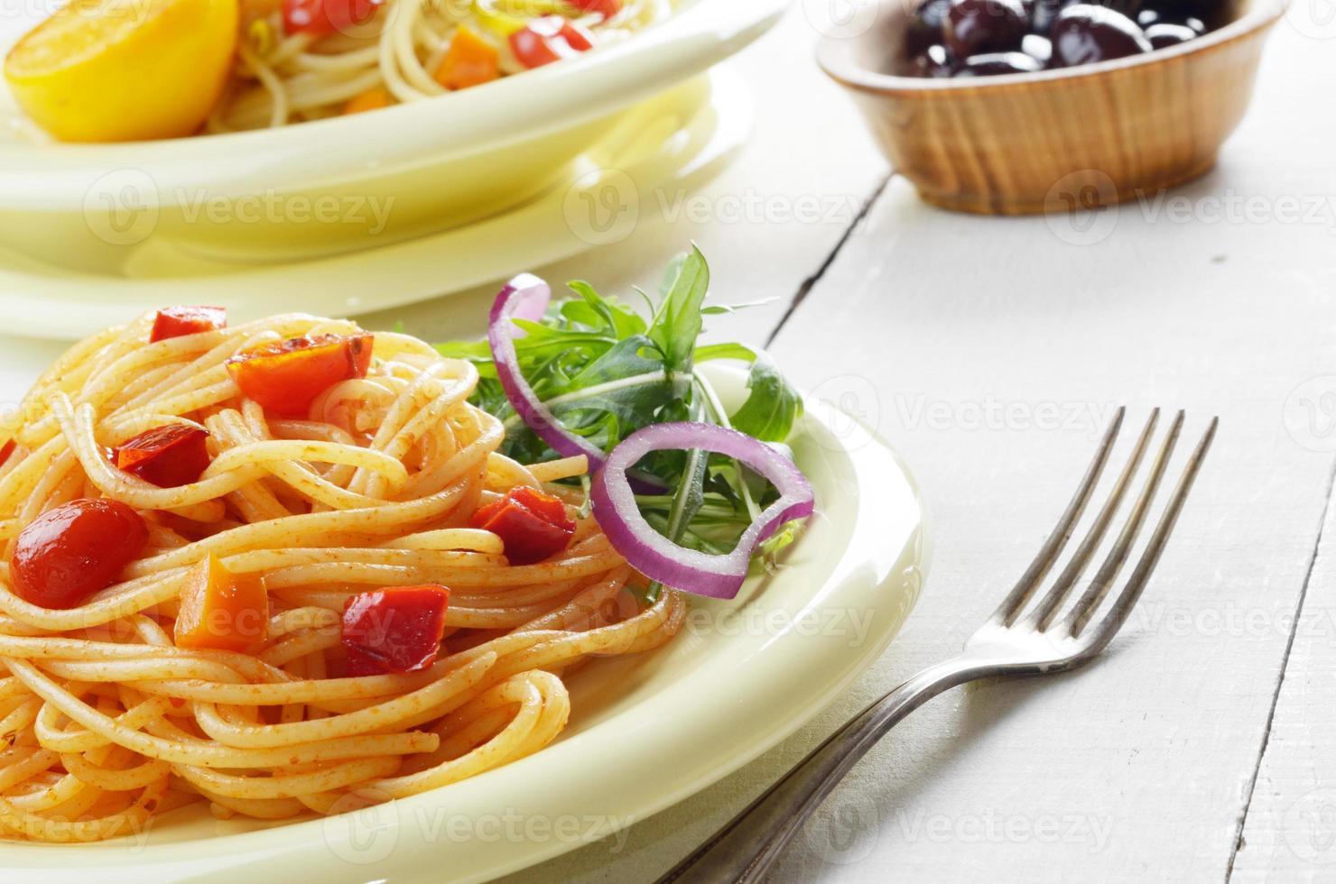 ensalada de pasta spaghetti marinara foto