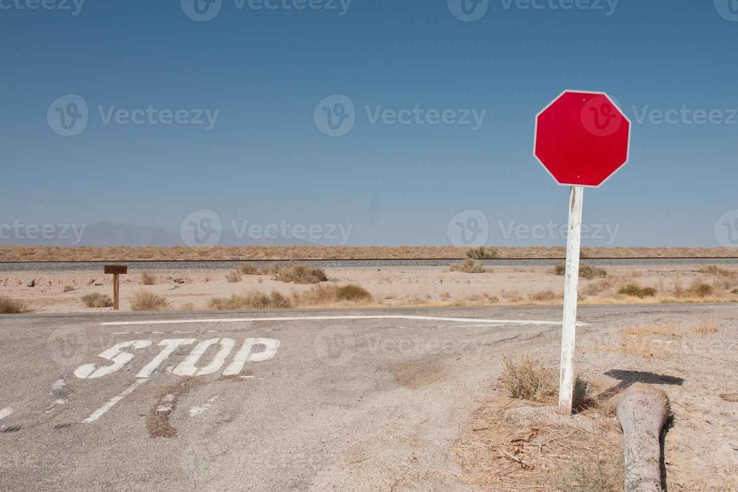señal de tráfico en blanco foto