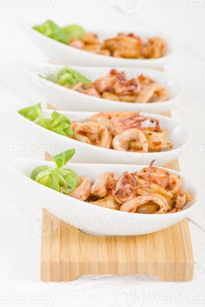 anillos de calamar frito foto