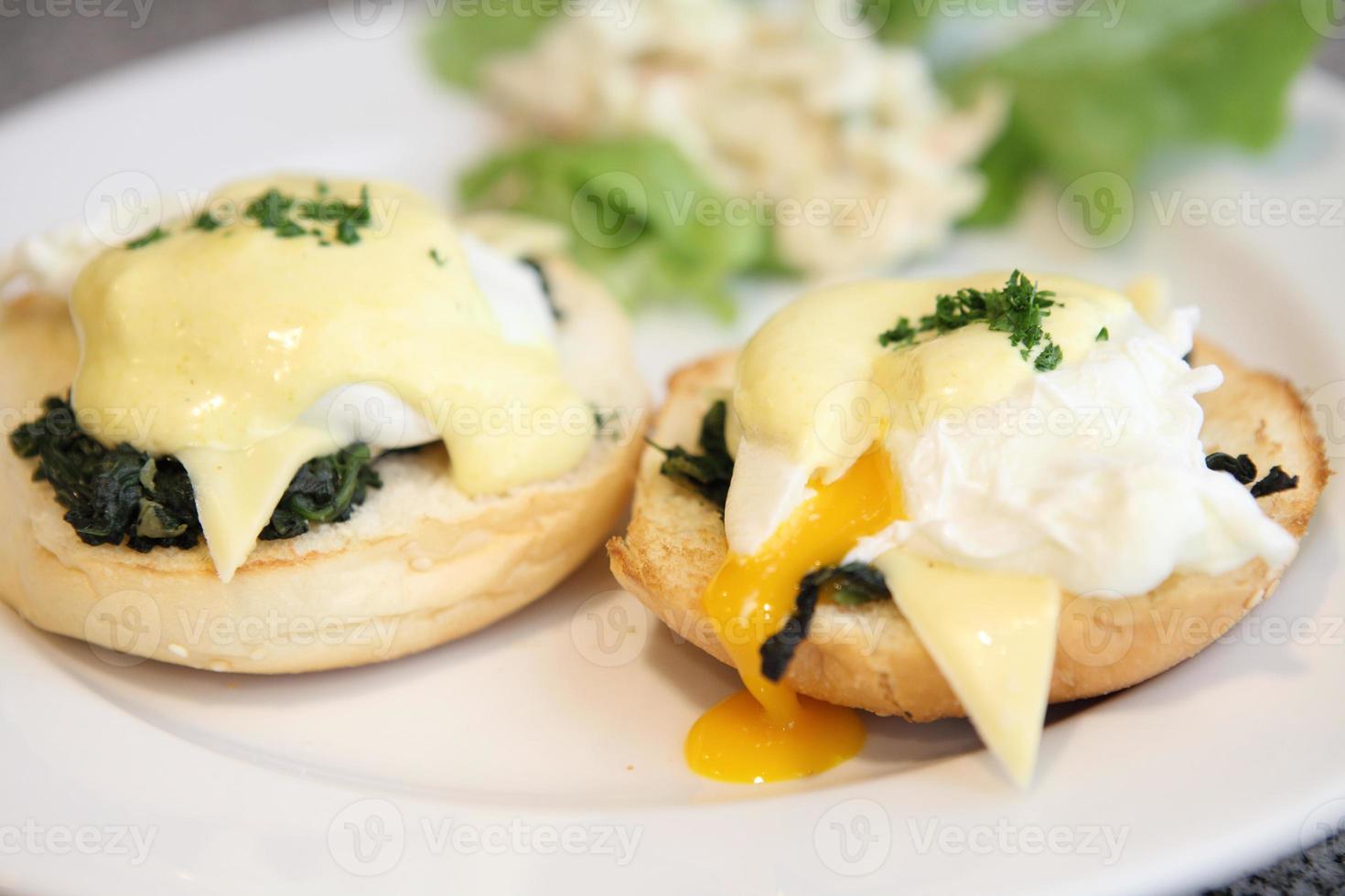 egg benedict photo