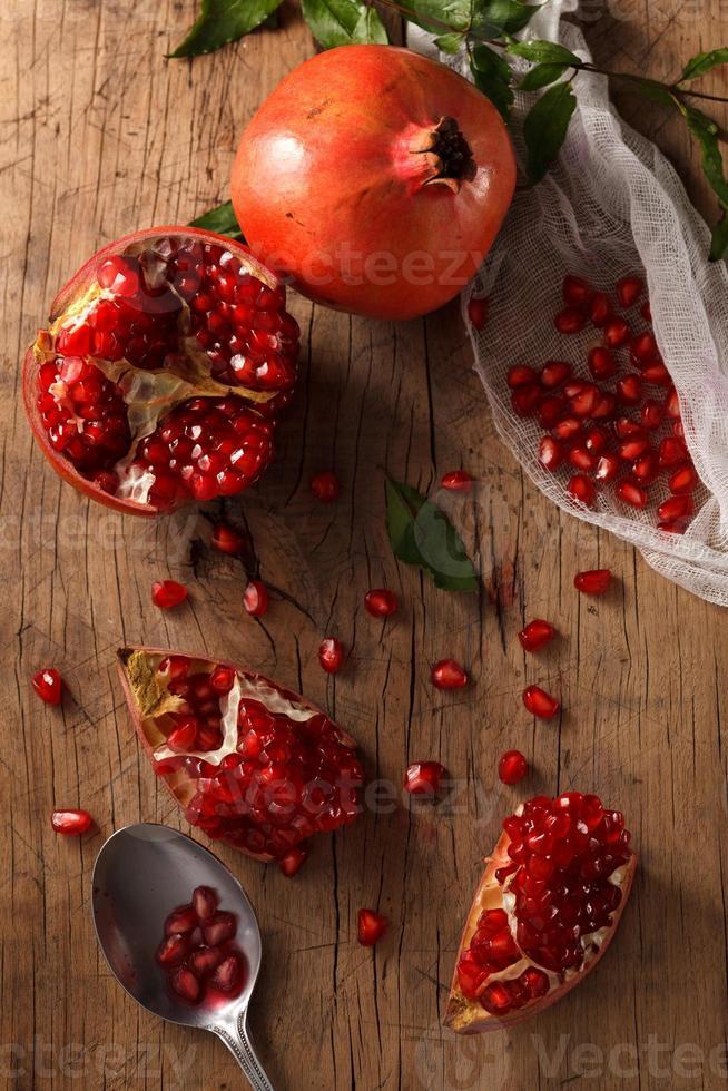pomegranate fruit healthy food fresh organic photo