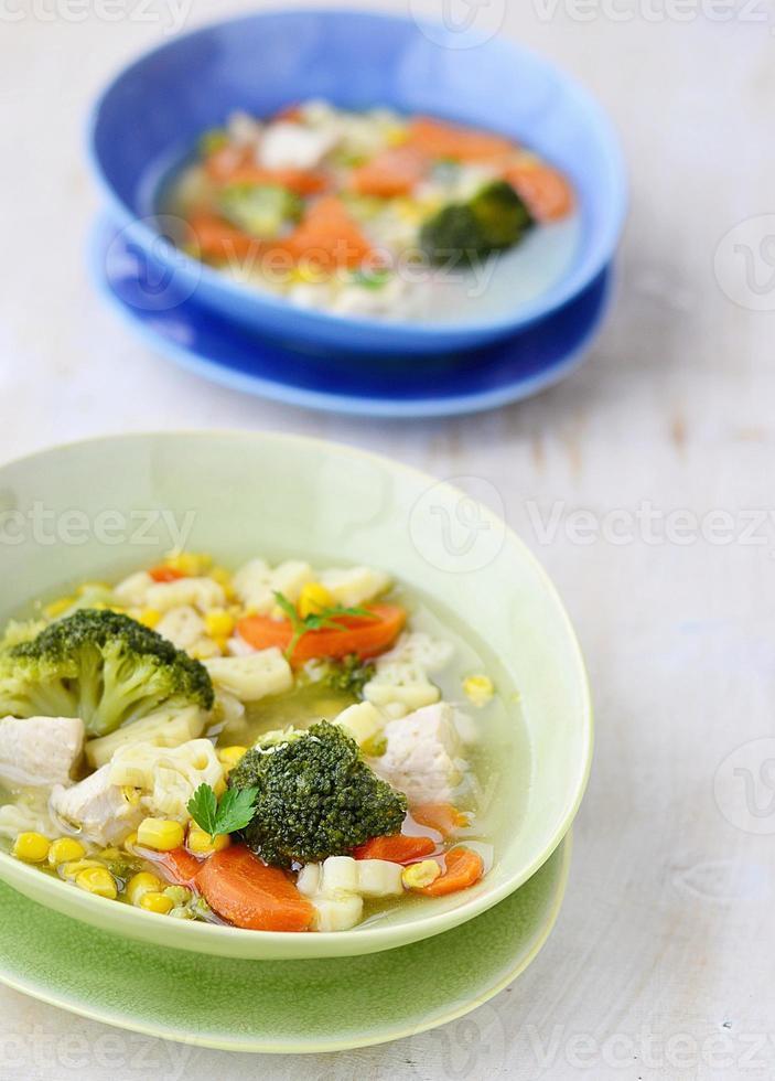 sopa de verduras foto
