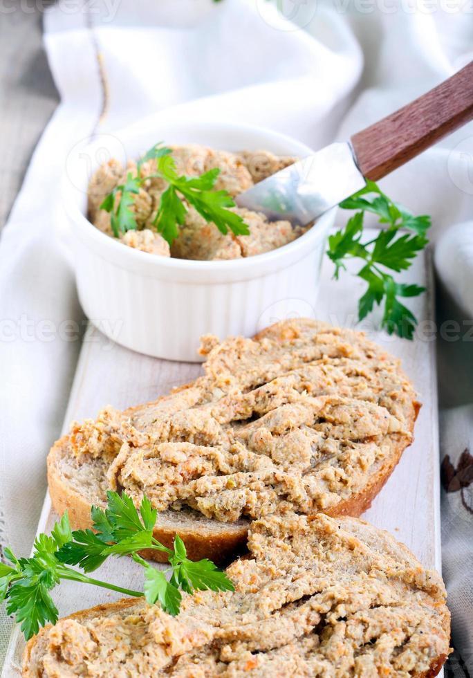 spread on bread photo